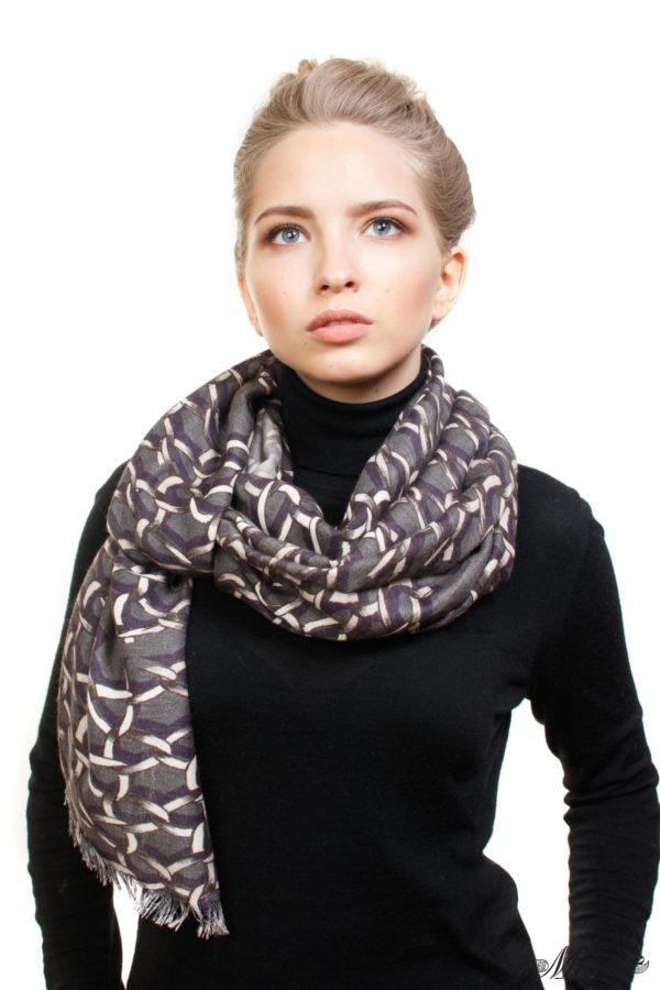 Grey Cashmere and Silk Scarf Golden Chains Macte View 3